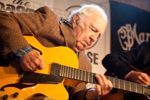 Bucky Pizarelli performing at the woodstock Luthiers Invitational. Photo © Jay Rosenblatt