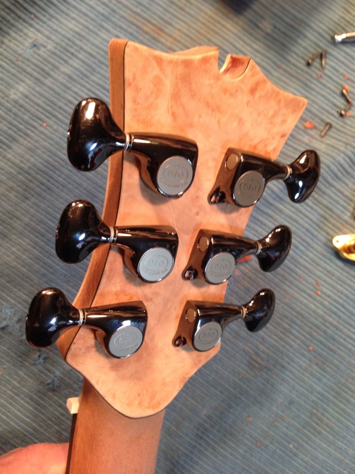 Maple burl backplate with Gotoh tuners. Jay Rosenblatt Guitars.